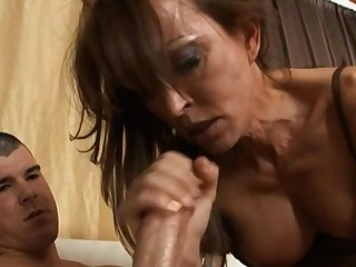 Charming beauty is delighting stud with wild oral-service