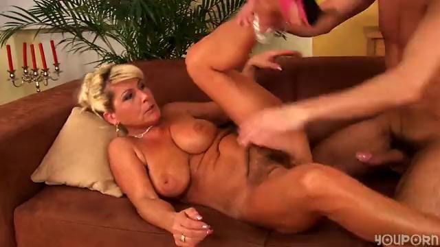 Horny mature Berna likes to fuck