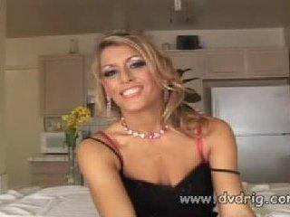 Juicy Hot MILF Chelsea Zinn