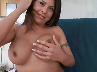 Demure chick gives hunk a fleshly and wet fellatio