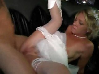 Succulent bride gets her shaven fur pie pulverized